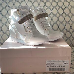White heel sneakers